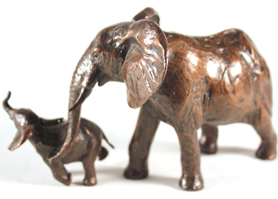 Michael Simpson, Bronze, Elephant Cow and Calf No frame image. Click to enlarge
