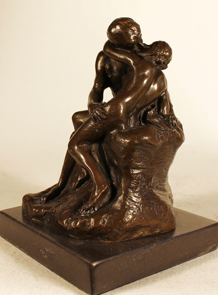 Bronze Statue, Bronze, The Kiss Signature image. Click to enlarge